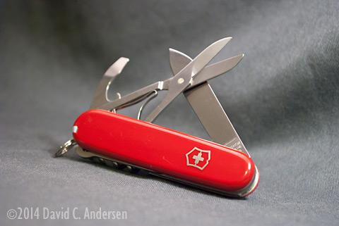 Victorinox-Compact-Main-Tools